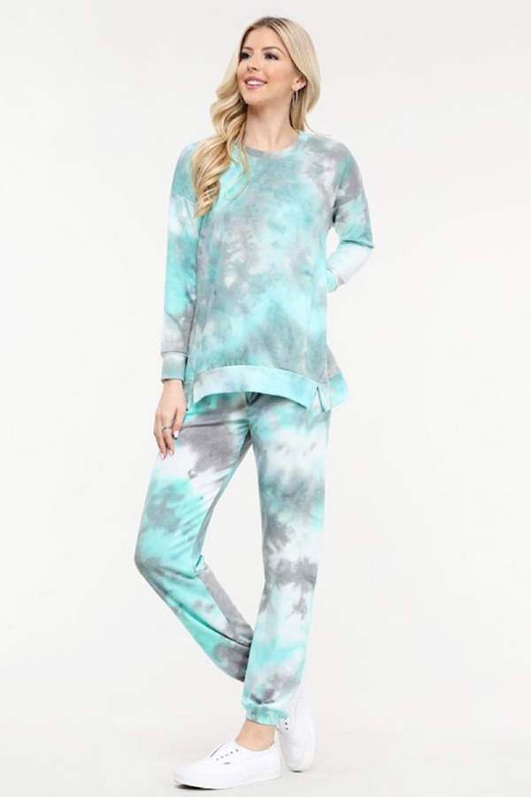 tie-dyed-long-sleeve-sweatsuit